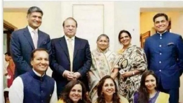 PM Nawaz Sharif with Indian Steel Magnet Sajjan Jandal and his family in Delhi