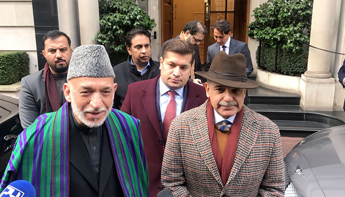Shabaz Sharif leader of the opposition of Pakistan seeing off Hamid Karzai, former Afghan President at Avonfield Apartments in London (11 Jan 2020)